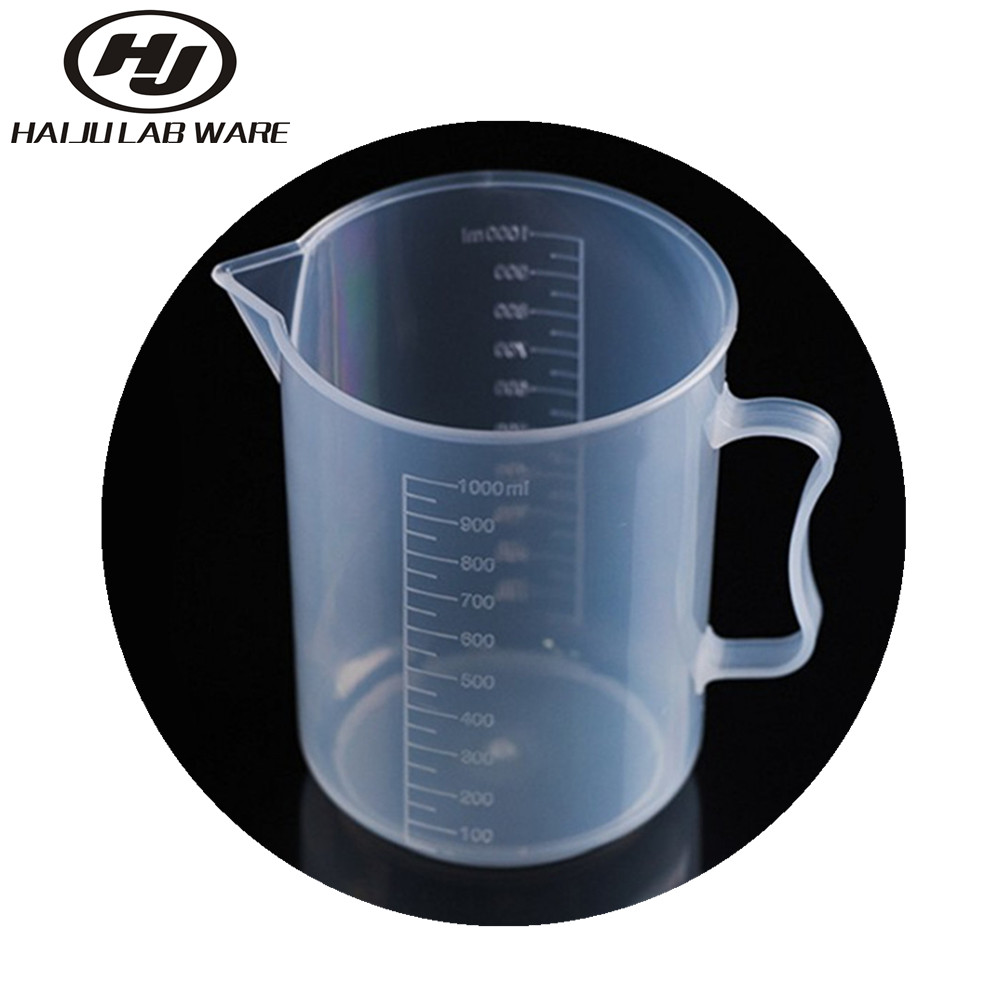 Graduated Plastic Measuring Cup With Handle